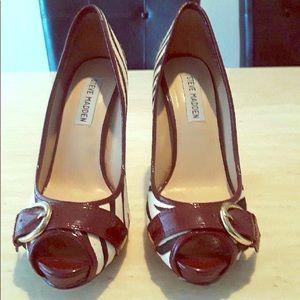 Gorgeous Steven Madden animal print heels.